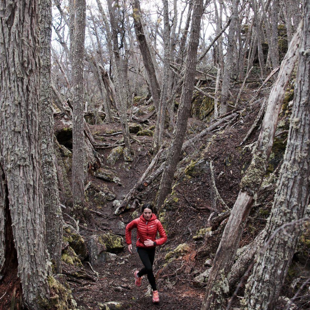 Stéphanie Gicquel court en forêt