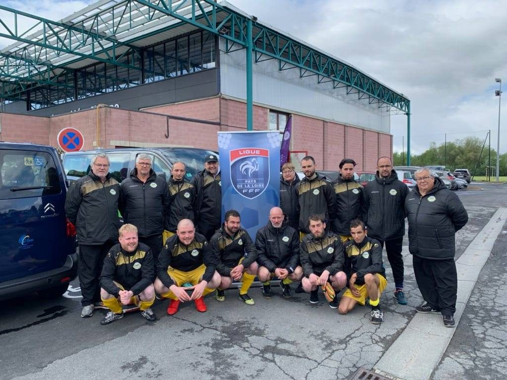 Photo de groupe de l'équipe Don Bosco Cécifoot