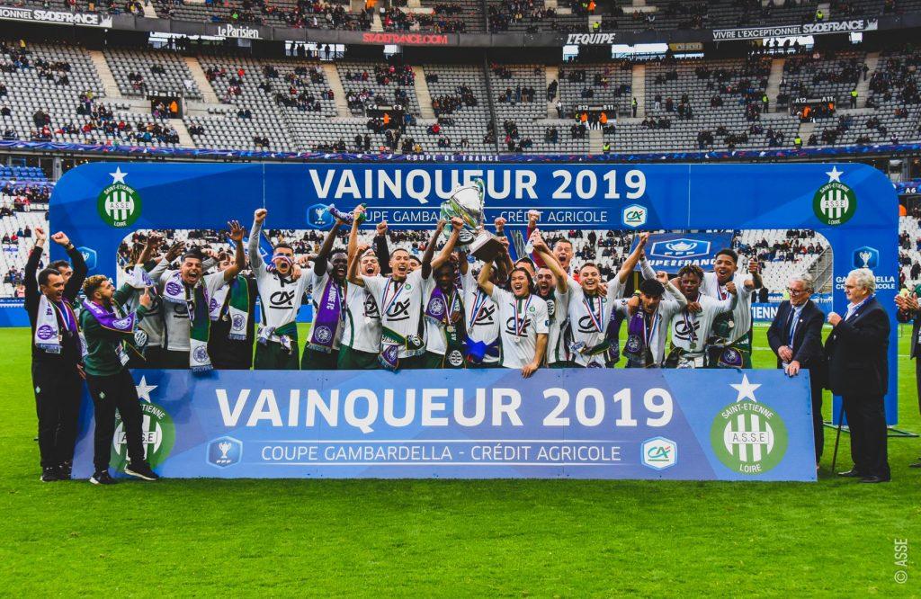 Photo des U19 de l'AS Saint Étienne après leur victoire de la coupe Gambardella