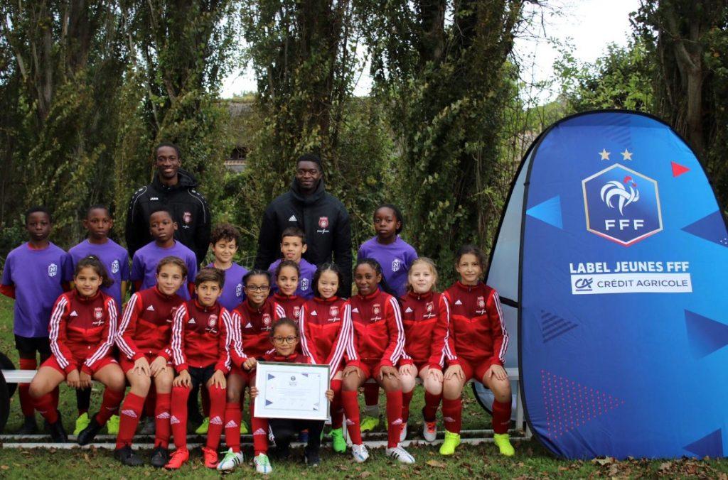 Photo de groupe d'une des équipes du club