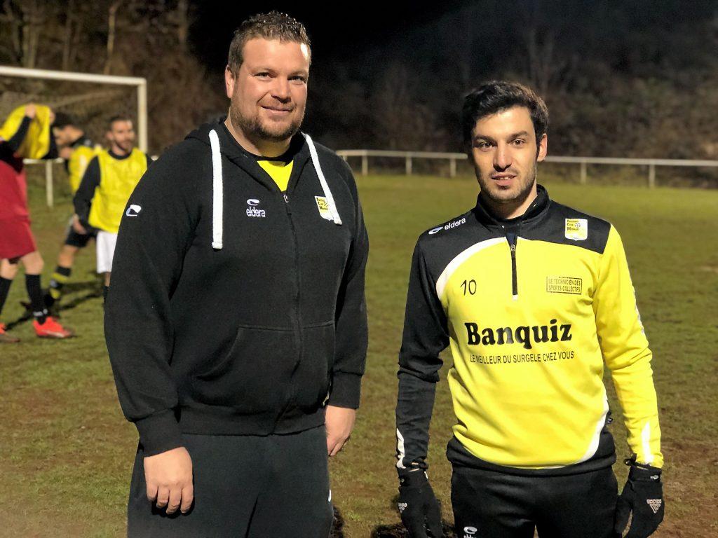 Jérémy Canivenq sur le terrain avec l'un de ses joueurs