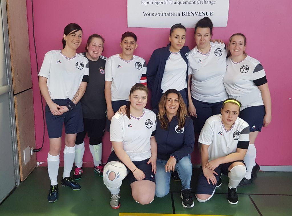 Photo de groupe de la section féminine de SO Merlebach
