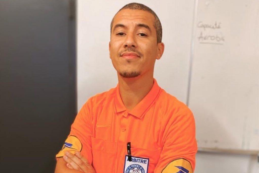 Portrait de Nabil Haryouli en tenue d'arbitrage